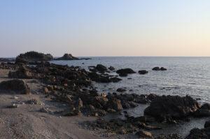 見老津駅前の浜